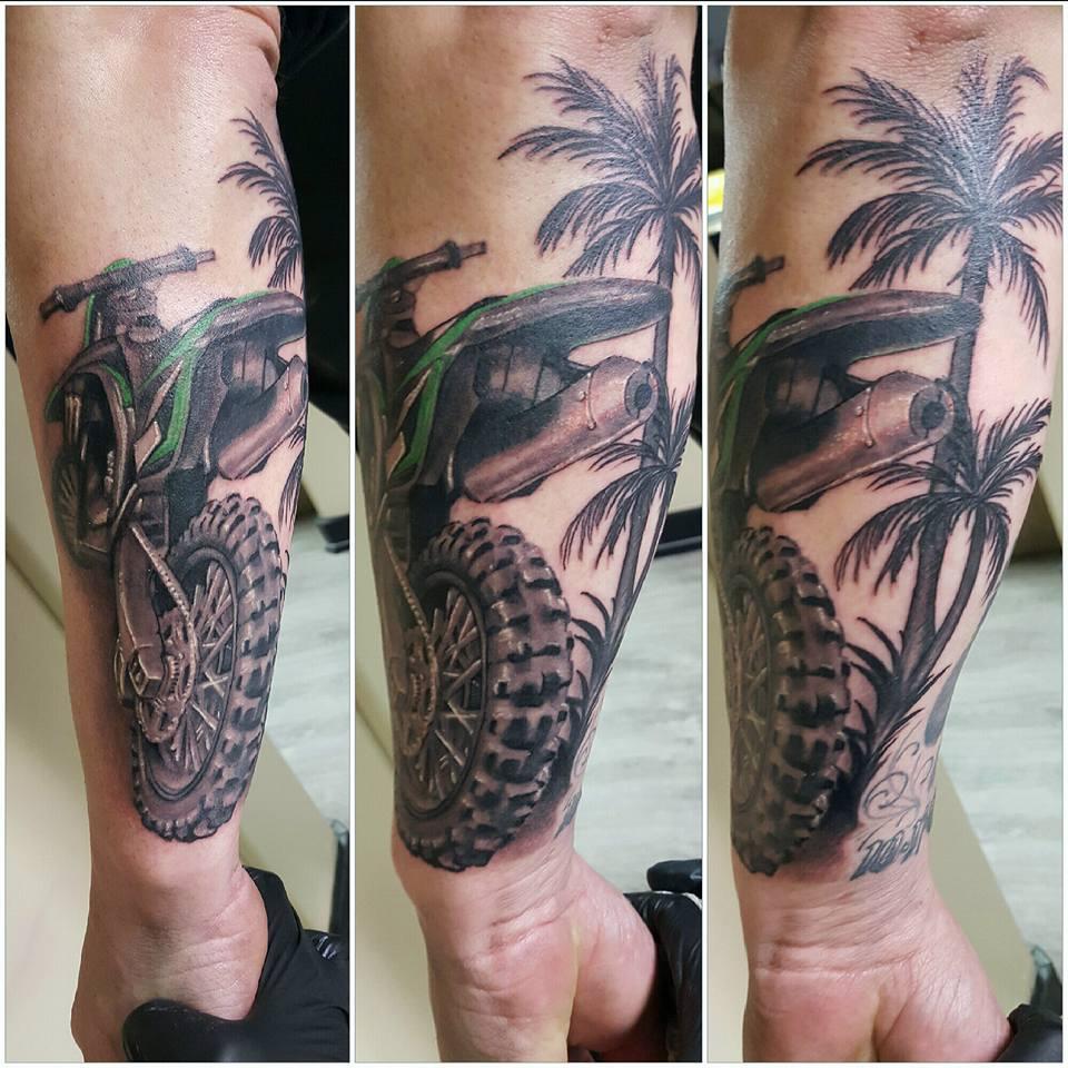 Tattoo bright side tattoo spokane 39 s premiere tattoo and for Tattoo shops in spokane